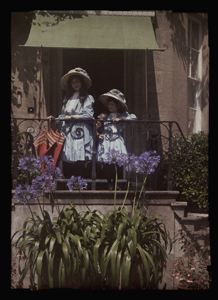 Janet and Iris Laing c.1910