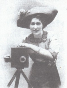 From an advertisement for the Kinora home movie camera