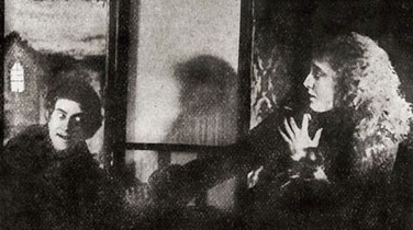 Paul Askonas (Drakula) and Margit Lux (Mary)